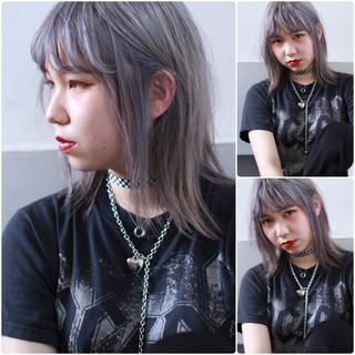 外国人風カラー グレー ロック ミディアム ヘアスタイルや髪型の写真・画像