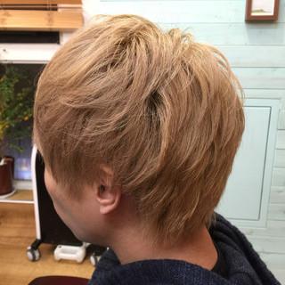 ストリート ダブルカラー ショート アッシュ ヘアスタイルや髪型の写真・画像