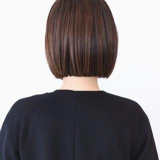 ミニボブ アッシュ ボブ ストリート ヘアスタイルや髪型の写真・画像