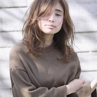 透明感 ナチュラル 簡単 ミディアム ヘアスタイルや髪型の写真・画像