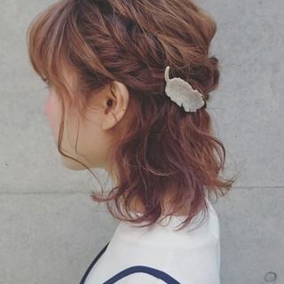 簡単ヘアアレンジ ハーフアップ ゆるふわ 波ウェーブ ヘアスタイルや髪型の写真・画像