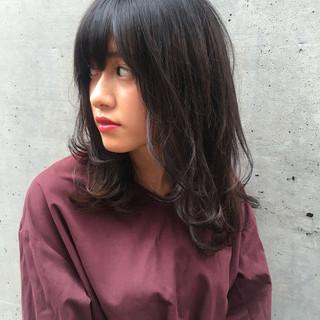 秋 デート 黒髪 セミロング ヘアスタイルや髪型の写真・画像 ヘアスタイルや髪型の写真・画像