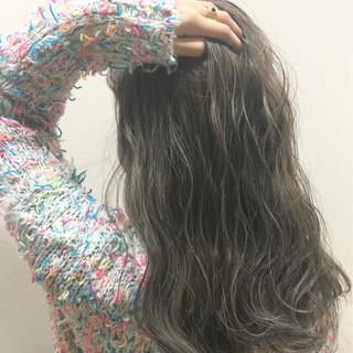 アッシュ ロング 外国人風 暗髪 ヘアスタイルや髪型の写真・画像