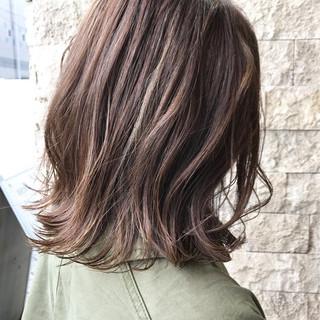 簡単ヘアアレンジ ボブ ブラウン デート ヘアスタイルや髪型の写真・画像 ヘアスタイルや髪型の写真・画像