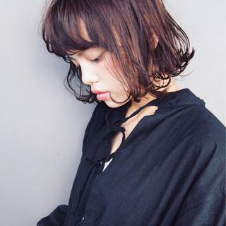 黒髪 ナチュラル ウェットヘア パーマ ヘアスタイルや髪型の写真・画像