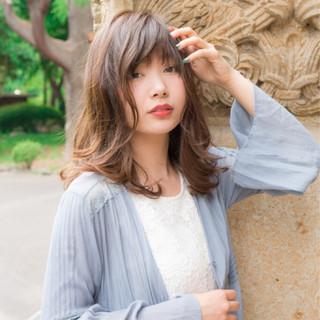 リラックス ボーイッシュ セミロング ウェーブ ヘアスタイルや髪型の写真・画像 ヘアスタイルや髪型の写真・画像