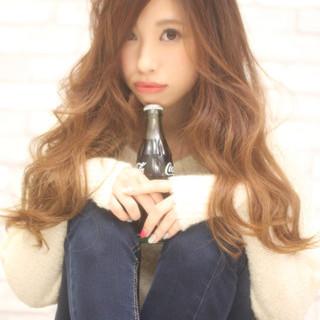 セミロング ゆるふわ 大人女子 チョコレート ヘアスタイルや髪型の写真・画像