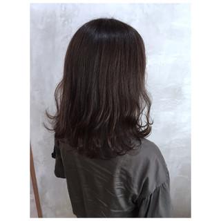 アディクシーカラー くすみカラー オリーブグレージュ ミディアム ヘアスタイルや髪型の写真・画像