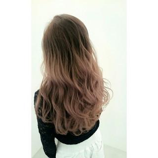 ロング 暗髪 グラデーションカラー 大人かわいい ヘアスタイルや髪型の写真・画像