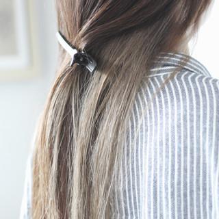ロング ヌーディベージュ ミルクティーベージュ インナーカラー ヘアスタイルや髪型の写真・画像 ヘアスタイルや髪型の写真・画像