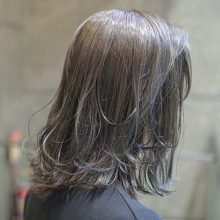 ナチュラル ハイライト アウトドア 3Dハイライト ヘアスタイルや髪型の写真・画像 ヘアスタイルや髪型の写真・画像