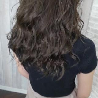 フェミニン 夏 ロング ヘアカラー ヘアスタイルや髪型の写真・画像