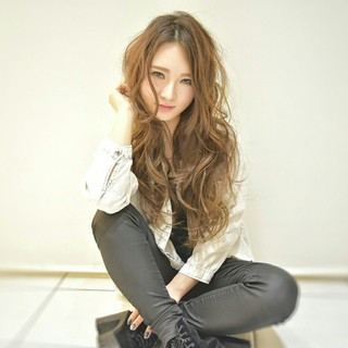 フェミニン 上品 ロング パーマ ヘアスタイルや髪型の写真・画像