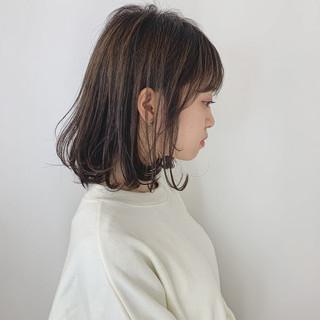 アッシュグレー ナチュラル 大人ヘアスタイル 可愛い ヘアスタイルや髪型の写真・画像