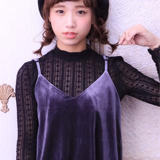 ショート 冬 大人女子 ベレー帽 ヘアスタイルや髪型の写真・画像 ヘアスタイルや髪型の写真・画像