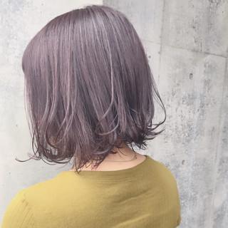 ボブ 透明感 フェミニン 外ハネ ヘアスタイルや髪型の写真・画像 ヘアスタイルや髪型の写真・画像