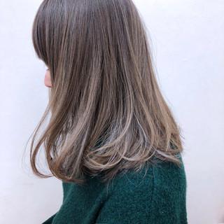 ハイライト ロブ グレージュ アンニュイ ヘアスタイルや髪型の写真・画像