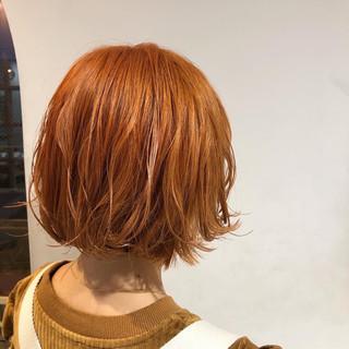 ブリーチオンカラー アプリコットオレンジ ブリーチカラー ボブ ヘアスタイルや髪型の写真・画像