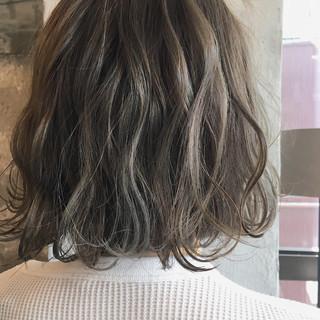 外国人風カラー ボブ ハイライト ナチュラル ヘアスタイルや髪型の写真・画像