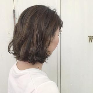 ミルクティーベージュ アッシュベージュ ボブ ベージュ ヘアスタイルや髪型の写真・画像