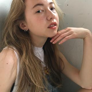 ハイライト 抜け感 ロング リラックス ヘアスタイルや髪型の写真・画像