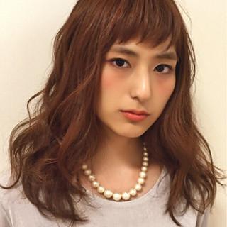 セミロング フェミニン 大人かわいい 前髪あり ヘアスタイルや髪型の写真・画像