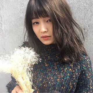 ハイライト ローライト ベージュ ミディアム ヘアスタイルや髪型の写真・画像
