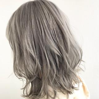 ミルクティーベージュ グレージュ ミルクティーグレージュ モード ヘアスタイルや髪型の写真・画像