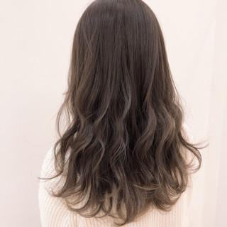 ロング フェミニン アンニュイほつれヘア 透明感 ヘアスタイルや髪型の写真・画像