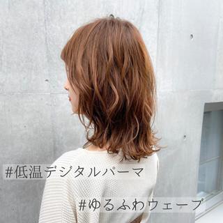 大人かわいい 鎖骨ミディアム ミディアム デジタルパーマ ヘアスタイルや髪型の写真・画像