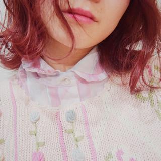 フェミニン ピンク ラズベリーピンク ピンクカラー ヘアスタイルや髪型の写真・画像