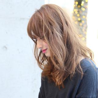 ゆるふわ アッシュ くせ毛風 モード ヘアスタイルや髪型の写真・画像