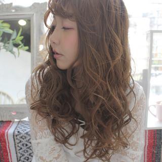 外国人風 ガーリー エクステ かわいい ヘアスタイルや髪型の写真・画像