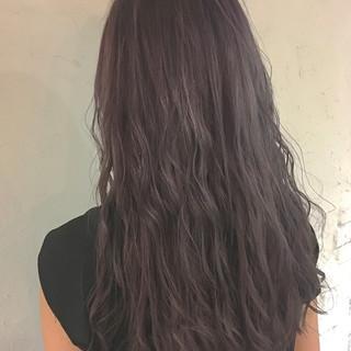 グレージュ ゆるふわ ブリーチ ロング ヘアスタイルや髪型の写真・画像 ヘアスタイルや髪型の写真・画像