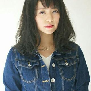 暗髪 アッシュ パーマ ミディアム ヘアスタイルや髪型の写真・画像