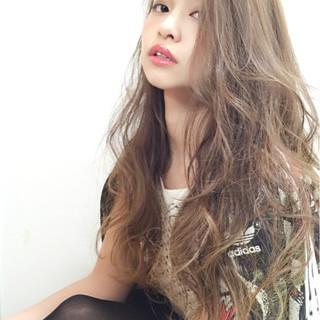 ロング モード ウェーブ ガーリー ヘアスタイルや髪型の写真・画像