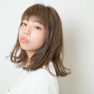 くせ毛風 アッシュ グラデーションカラー 外国人風 ヘアスタイルや髪型の写真・画像