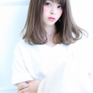 大人かわいい 暗髪 ストレート ミディアム ヘアスタイルや髪型の写真・画像 ヘアスタイルや髪型の写真・画像