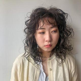 前髪パーマ モード 切りっぱなしボブ パーマ ヘアスタイルや髪型の写真・画像