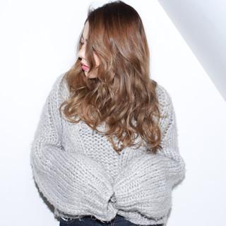 外国人風カラー ベージュ ロング ハイライト ヘアスタイルや髪型の写真・画像