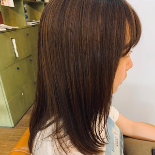 ナチュラル セミロング 地毛ハイライト 大人ハイライト ヘアスタイルや髪型の写真・画像