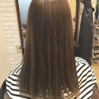 外国人風 グレージュ ミディアム ガーリー ヘアスタイルや髪型の写真・画像