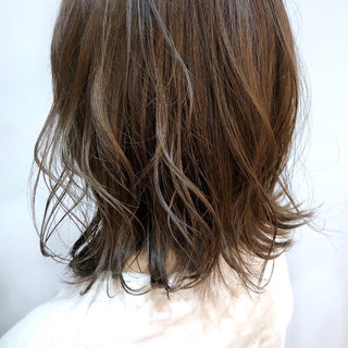 ミディアム アンニュイほつれヘア スポーツ デート ヘアスタイルや髪型の写真・画像