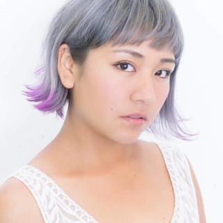 個性的 ストリート ホワイト グレー ヘアスタイルや髪型の写真・画像