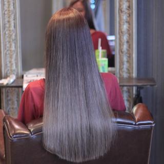 ハイライト ロング グラデーションカラー アッシュ ヘアスタイルや髪型の写真・画像