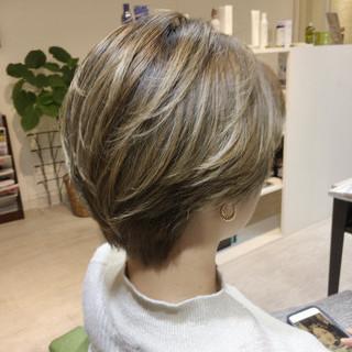 グラデーションカラー ブリーチ かっこいい 外国人風カラー ヘアスタイルや髪型の写真・画像