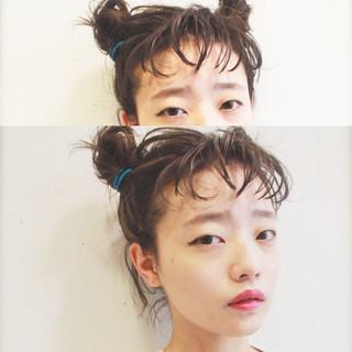 ナチュラル アッシュ セミロング ハイライト ヘアスタイルや髪型の写真・画像