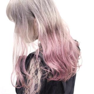個性的 グラデーションカラー かわいい ピンク ヘアスタイルや髪型の写真・画像