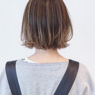 外ハネ ナチュラルグラデーション ハイライト インナーカラー ヘアスタイルや髪型の写真・画像 ヘアスタイルや髪型の写真・画像
