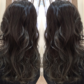 ハイライト アッシュ 外国人風 ロング ヘアスタイルや髪型の写真・画像 ヘアスタイルや髪型の写真・画像